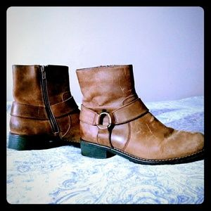 Ladies Clark's Leather Ankle Boots Dize 7.5.